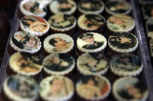 Will Bassem Yussef be silenced for making fun of sweets featuring the Field Marshal's face? Photo alarabiya.net